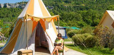 Sites et Paysages Camping la Roche d'Ully ****