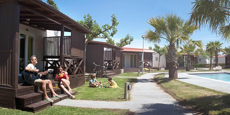 Glamping Camping & Bungalow Park Ballena Alegre